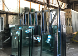 В стойке энергосберегающие стеклопакеты